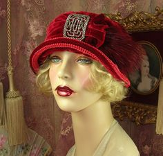 1920S VINTAGE STYLE RED VELVET CUT STEEL BUCKLE FEATHER CLOCHE FLAPPER HAT
