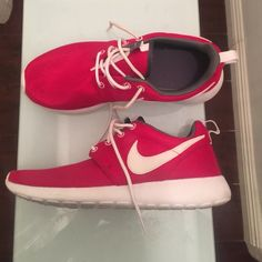 Deep red nike rosh's Deep red and white Nike Roshe. YOUTH SIZE So it will fit a regular 8 or as they have more room than the typical Nike Nike Shoes Rosh Run Nike, Nike Shoes, Sneakers Nike, Nike Roshe, Nike Free, Red And White, Nike Women, Youth, Fashion Design