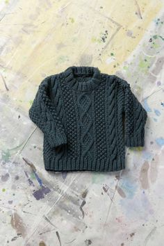Knitting pattern + sweater Source by afketolsma Boys Knitting Patterns Free, Baby Sweater Knitting Pattern, Knitting For Kids, Baby Patterns, Knitting Projects, Lang Yarns, Boys Sweaters, Pulls, Couture