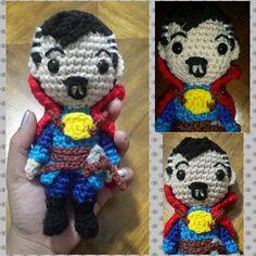 •El último (y mi favorito) de mis 3 últimos proyectos del 2016 (*-*) Patron de @miahandcrafter •The last one (and my favorite) of my three last  2016's projects (*-*) Pattern by #Mia'sAtelier @miahandcrafter . . . #Amigurumi #amigurumist #crochet #CrochetAddict #crochetlove #drstrange #Marvel #gift #regalo #hero #madewithlove #handmade #plush #plushie #craft #ILoveIt #Delamanodebibi #funny #superhero #time #strange #doctor #doctorstrange #instacrochet