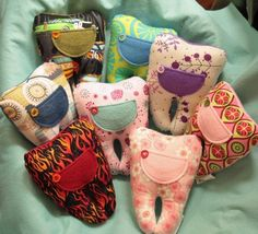 tooth fairy pillows - I THINK - I could make these Tooth Pillow, Tooth Fairy Pillow, Sewing Crafts, Sewing Projects, Baby Friends, Craft Free, Guys And Girls, Have Time, Grandkids