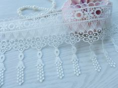 Off white Victorian Beautiful Venice Floral Dangle Lace Trim 3.9 inch wide one yard    This listing is for 1 yard.    Width: 3.94 (10 cm) Use for