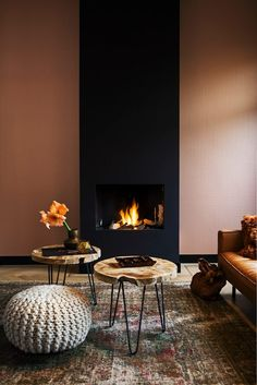Best Traditional and Modern Fireplace Design Ideas Photos & Pictures - Interior Design Minimalist, Modern Interior, Interior And Exterior, Room Interior, Exterior Design, Modern Fireplace, Fireplace Design, Small Fireplace, Interior Inspiration