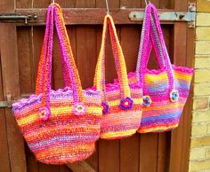 https://flic.kr/p/8r6rXF   Lucy type bags.   Lucy type bags . Crochet using two ends of D.K.  All lined inside.