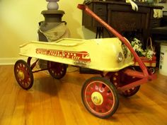 "Restored Streak-O-lite"" wagon with working battery powered head lights. Custom Radio Flyer Wagon, Radio Flyer Wagons, Kids Wagon, Toy Wagon, Pedal Tractor, Pedal Cars, Antique Toys, Vintage Toys, Custom Go Karts"