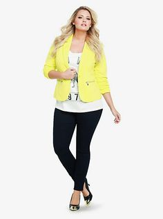This chic power blazer totally stands out in a sea of suits! Or rock it on the weekend with a graphic tee & jeans. LOVE.
