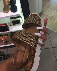Uploaded by YOUNGLADY. Find images and videos about fashion, style and hair on We Heart It - the app to get lost in what you love.