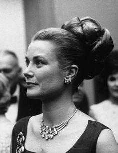 16 icônes et leurs joailliers stars hollywoodiennes bijoux Grace Kelly Cartier