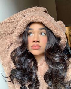 😁 - ☽ kiara 𖤐 media photos videos Baddie Hairstyles, Pretty Hairstyles, Bob Hairstyles, Pretty People, Beautiful People, Curly Hair Styles, Natural Hair Styles, Cute Makeup Looks, Aesthetic Hair