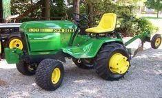 Small Garden Tractor, Big Garden, Lawn And Garden, Antique Tractors, Vintage Tractors, John Deere Garden Tractors, Lawn Tractors, Tractor Mower, Lawn Mower