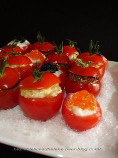 Voilà une idée toute simple à réaliser pour épater vos invités : un assortiment de tomates cerises farcies. C'est très joli et ça fait son effet ! Il s'agit tout simplement de petites tomates cerises farcies avec un mélange à base de carré frais et de...