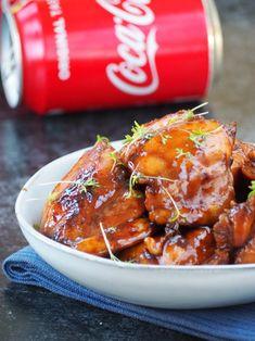 Plakkerige Cola Kip (zo lekker – Food And Drink Diner Recipes, Asian Recipes, Cooking Recipes, Cooking Pork, Cooking Games, Coke Chicken, Chicken Recipes, Comida Diy, Healthy Slow Cooker
