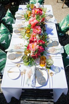 Tropical inspired: http://www.stylemepretty.com/living/2015/06/07/aloha-themed-bridal-shower/ | Photography: Felicia Lasala - http://felicialasala.com/