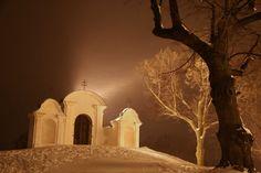 Krnov, zimní večer u velké barokní kaple křížové cesty 2009-02-22 (JV)