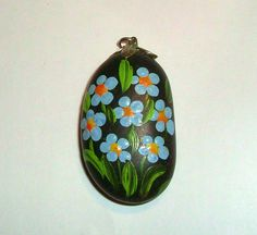 Vintage Painted Rock Pendant Blue Flowers by ChocolateRoseMint Rock Jewelry, Unique Jewelry, Jewellery, Painted Flowers, Painted Stones, Stone Painting, Rock Painting, Railroad Spikes, Love Rocks