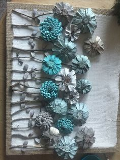DIY Kissing Ball with Pine Cones - Crafts Unleashed@ handmade and painted pincone flowers on reused barn wood! These pi… - wood DIY ideasBeautiful handmade and painted pincone flowers on reused barn wood! Nature Crafts, Fall Crafts, Crafts To Make, Christmas Crafts, Crafts For Kids, Arts And Crafts, Kids Diy, Kids Christmas, Pine Cone Art
