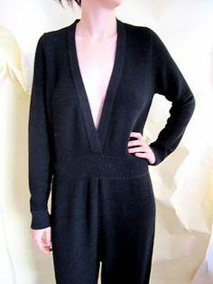 Knitted jumpsuit. A detacher.