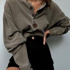 Sweatshirts Online, Printed Sweatshirts, Fashion Sweatshirts, Hoodies, Aesthetic Clothes, Types Of Sleeves, Sleeve Styles, Fashion Outfits, Style Fashion