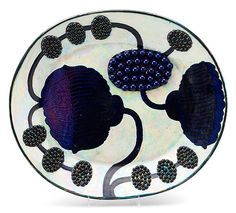 A Birger Kaipiainen stoneware dish, Arabia, Finland. Measurements x 31 cm… Ceramic Clay, Ceramic Plates, Porcelain Ceramics, Mid Century Art, Ceramic Artists, Art Object, Scandinavian Design, Pottery Art, Finland