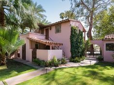 Spanish style Spanish Style Decor, Spanish Style Homes, Spanish House, Pink Houses, Old Houses, Hollywood Homes, Hollywood Star, Classic Hollywood, Gable House