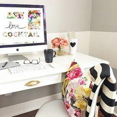 Sexta é dia de Cocktail 🍸🍹 Essa é a estampa Cocktail Bloom e todo o mix de cores e texturas que a coleção Cosmopolitan colocou na dosagem da sua incrível coleção de Verão. Venha para o site conhecer! #cocktails #sextafeira #bonsdrinks #misturaboa #print #estampa #tropical #mixdeestampas #Amey #Cosmopolitan #cheers #timtim #inlove #design #criação #moda #stylist #art #drawing #instaprint #instatropical #blooms #details #work #fashionwork #desktop