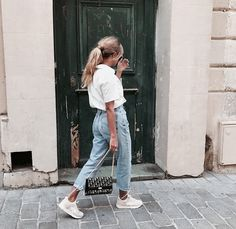 ripped jeans outfit Yes! ღ Awesome fashion clothes for stylish women from Zefinka. ღ Awesome fashion clothes for stylish women from Zefinka. Jean Outfits, Fashion Outfits, Cute Outfits, Fashion Clothes, Fashion Shoot, Womens Fashion Online, Latest Fashion For Women, Ladies Fashion, Moda Fashion