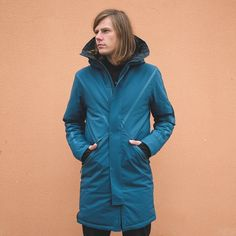 Der schönste unisex Parka ever ist back in stock - hol Dir Deinen! The most beautiful perfect fitting and waterproof unisex Parka from is back in Stock⠀ Get yours! Winter Parka, Winter Jackets, Nylons, Models, Russia, Most Beautiful, Raincoat, That Look, Unisex