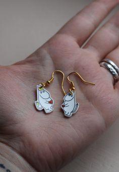 Moomin 'My heart is your heart' earrings My Heart Is Yours, Moomin, Heart Earrings, Locks, Bling, Crafty, Diy, Accessories, Vintage