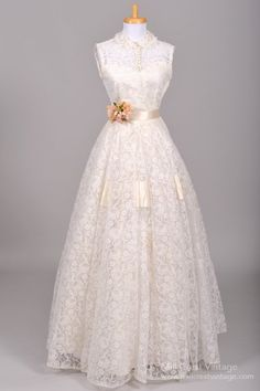 i am way too obsessed with vintage lace gowns