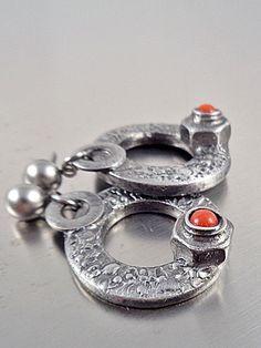 Ana Hata Jewelry Design Festival, Fashion Jewelry, Wedding Rings, Engagement Rings, Fashion Design, Enagement Rings, Trendy Fashion Jewelry, Diamond Engagement Rings, Costume Jewelry
