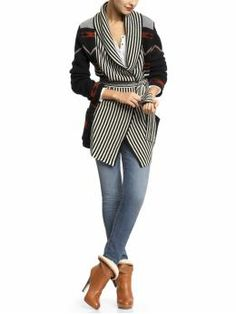 Fantastic mix of pattern and placment Stylish Clothes, Stylish Outfits, Winter Style, Autumn Winter Fashion, Aztec Sweater, My Size, Aspen, Love Fashion, Sad