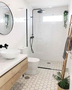 [New] The Best Home Decor (with Pictures) These are the 10 best home decor today. According to home decor experts, the 10 all-time best home decor. Next Bathroom, Bathroom Goals, Small Bathroom, Decor Interior Design, Interior Decorating, Bathroom Design Inspiration, Bathroom Tile Designs, House Rooms, Bathroom Accessories