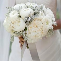 A sampling of our favorite wintry wedding bouquets!