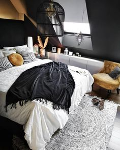 Our post has some of the best space saving ideas for your small bedroom. Small bedroom decorating doesn't need to be difficult, use our 65 ideas to make your room seem larger and cozier at the same time! Living Room Paint, Living Room Colors, Living Room Grey, Bedroom Colors, Bedroom Decor, Living Rooms, Bedroom Ideas, Master Bedroom, Dream Rooms
