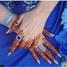 Half Hand Mehandi Designs That You Must Try - Mehandi Designs 2019 Modern Henna Designs, Wedding Henna Designs, Finger Henna Designs, Arabic Henna Designs, Mehndi Designs For Fingers, Beautiful Henna Designs, Best Mehndi Designs, Henna Tattoo Designs, Tribal Henna Designs