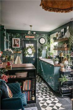 Living Room Interior, Kitchen Interior, Eclectic Kitchen, Eclectic Tile, Quirky Kitchen, Vintage Kitchen Decor, Eclectic Decor, Deco Cool, Maximalist Interior