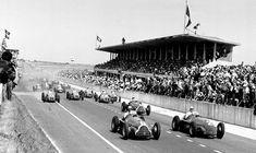 🏆🏁 🚦🇫🇷 #formula1 #f1 #onthisday #bestoftheday #accaddeoggi #amarcord #FrenchGP #2luglio Juan Manuel Fangio vince il Gran Premio di Francia del #1950: sembra l'ipoteca sul primo Mondiale di Formula 1, ma non sarà così... 👀👇 Grand Prix, Ferrari, Maserati, Poster Prints, Framed Prints, Canvas Prints, Posters, Alfa Romeo, Photo D Art