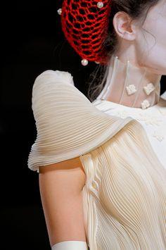 Thom Browne at New York Fashion Week Spring 2014 - Details Runway Photos New York Fashion, World Of Fashion, Fashion Show, Spring 2014, Spring Summer, Thom Browne, Runway, Tulle, Women Wear