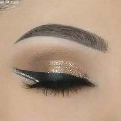 Winged Eye Makeup Tutorial Winged Eye Make-up Tutorial Makeup Eye Looks, Smoky Eye Makeup, Eye Makeup Steps, Beautiful Eye Makeup, Eyebrow Makeup, Skin Makeup, Eyeshadow Makeup, Makeup Cosmetics, Winged Eyeliner