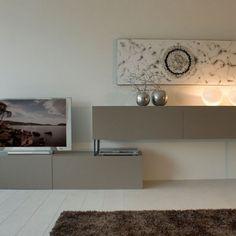 Mueble de diseño con patas metálicas Buffet, Cabinet, Storage, Furniture, Home Decor, Dining Room, Mesas, Interiors, Clothes Stand