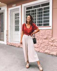 Love this look for travel Looks Style, Casual Looks, My Style, Look Fashion, Fashion Outfits, Fashion Design, Spring Summer Fashion, Spring Outfits, Vans Era
