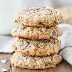 Thick and chewy coconut oatmeal chocolate chip cookies! Easy quick vegan and gluten free. Dessert Bars, Dessert Mousse, Trail Mix Cookies, Granola Cookies, Oatmeal Cookies, Chips Ahoy, Keto Chocolate Chip Cookies, Chocolate Chip Oatmeal, Cookies Vegan