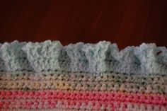 Frilly Ruffled Edge :: Free #Crochet Edging Patterns!
