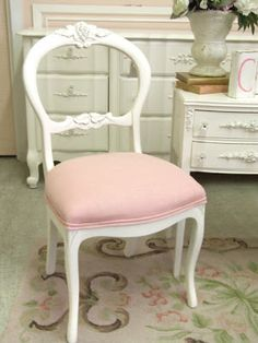 Le Marichicche: La sedia shabby chic