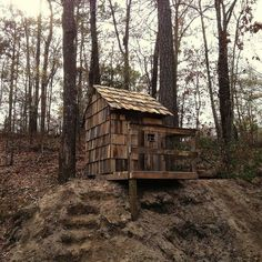 no cost pallet playhouse, diy, outdoor living, pallet, repurposing upcycling, woodworking projects #playhousediy