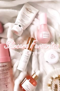A round up of my skincare favorites of the year with the top new products that I've tried out and fell in love with. Including products from Biossance, Glow Recipe, Alya Skin and more! Top Skin Care Products, Best Skincare Products, Diy Skin Care, Clean Beauty, Diy Beauty, Beauty Tips, Beauty Hacks, Vitamin C Oil, Makeup Lovers