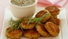 Μπιφτέκια με σόγια και πατάτα Tofu, Dips, Eat Smarter, Going Vegan, Baked Potato, Almond, Easy Meals, Vegetarian, Nutrition