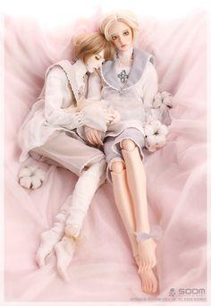 Special order boy or girl, two different heads available… Anime Dolls, Bjd Dolls, Plush Dolls, Barbie Dolls, Ball Jointed Dolls, Big Eyes Artist, Cute Cartoon Girl, Kawaii, Royal Princess