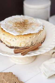 Apfel-Zimt-Käsekuchen mit Spekulatiusboden Apple and cinnamon cheesecake with speculaa ground Related Post Agate Cake Video Homemade Vegan & Gluten Free Gummies Easy Desserts: Mini S'mores Pies for 1 or a . Apple Recipes, Baking Recipes, Snack Recipes, Dessert Recipes, Dessert Blog, Grilling Recipes, Bread Recipes, Easy Recipes, Cinnamon Cheesecake