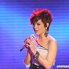 Lacey Brown has the cutest hair! Mine is cutting cut like this very soon :)